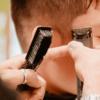 Cepillosy peinesindispensables para tu barbería